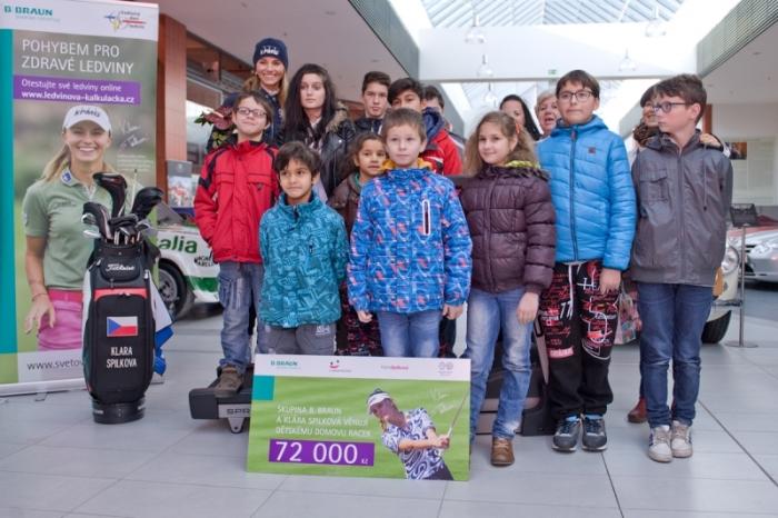 Klára Spilková a B.Braun předávají dárky dětskému domovu RACEK